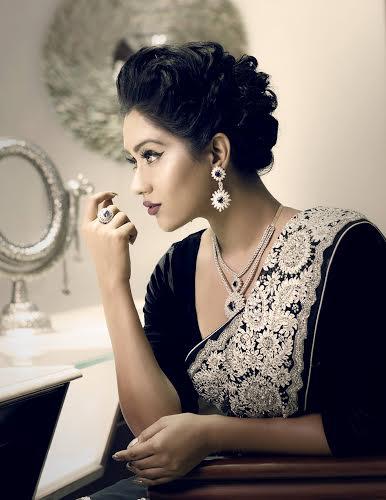 Make up by Tilat